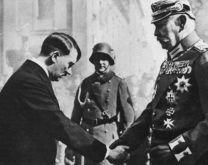 Hitler nombrado Canciller por el Presidente von Hindenburg. Enero de 1933.