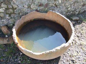 Urinal en la fullonica de Veranius Hypsaeus en Pompeya.