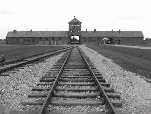 Auschwitz-Birkenau entrada