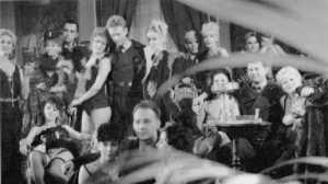Escena de la película Ruedas de Terror