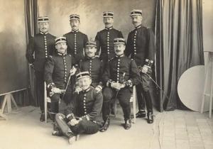 Oficiales franceses.