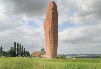 Uno de los muchos monumentos a la Primera Batalla del Marne.