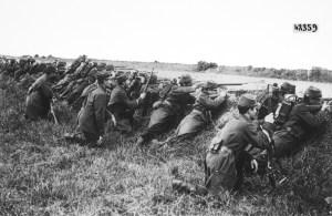 Soldados franceses esperan al enemigo en el Marne.