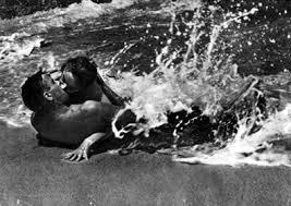 Burt Lancaster y Debrah Kerr en De Aquí a la Eternidad.