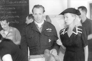 Fotograma de un documental dedicado a Warburton y Radcliffe