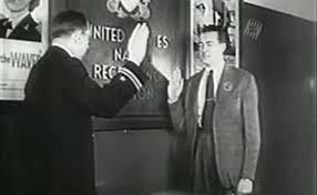 William Patrick Hitler se alista en la Marina Norteamericana.