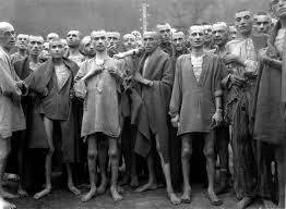 Prisioneros en un campo de concentración.