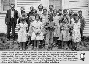 En algunas fotos se pueden reconocer a los miembros de una misma familia por los patrones en su ropa.