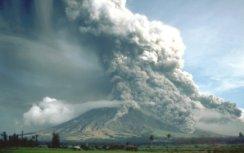 Colada pirocástica en el volcán Maton de Filipinas en 1984