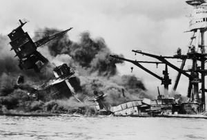 USS Arizona hundido en Pearl Harbor.